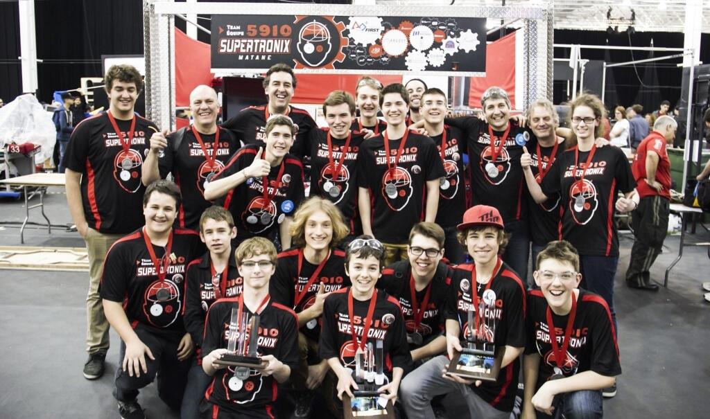 Crédit Photo: Supertronix 5910<br/>Équipe de robotique Supertronix 5910