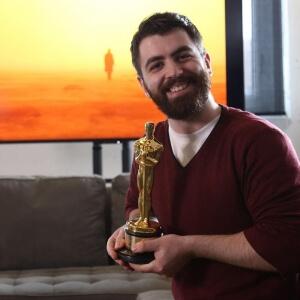 Samuel Rousseau, diplômé du programme Techniques d'animation 3D et de synthèse d'images et l'Oscar 2018 for best visual effects remporté par le film Blade runner 2049 du réalisateur québécois Denis Villeneuve.<br />Crédit Photo: Framestore