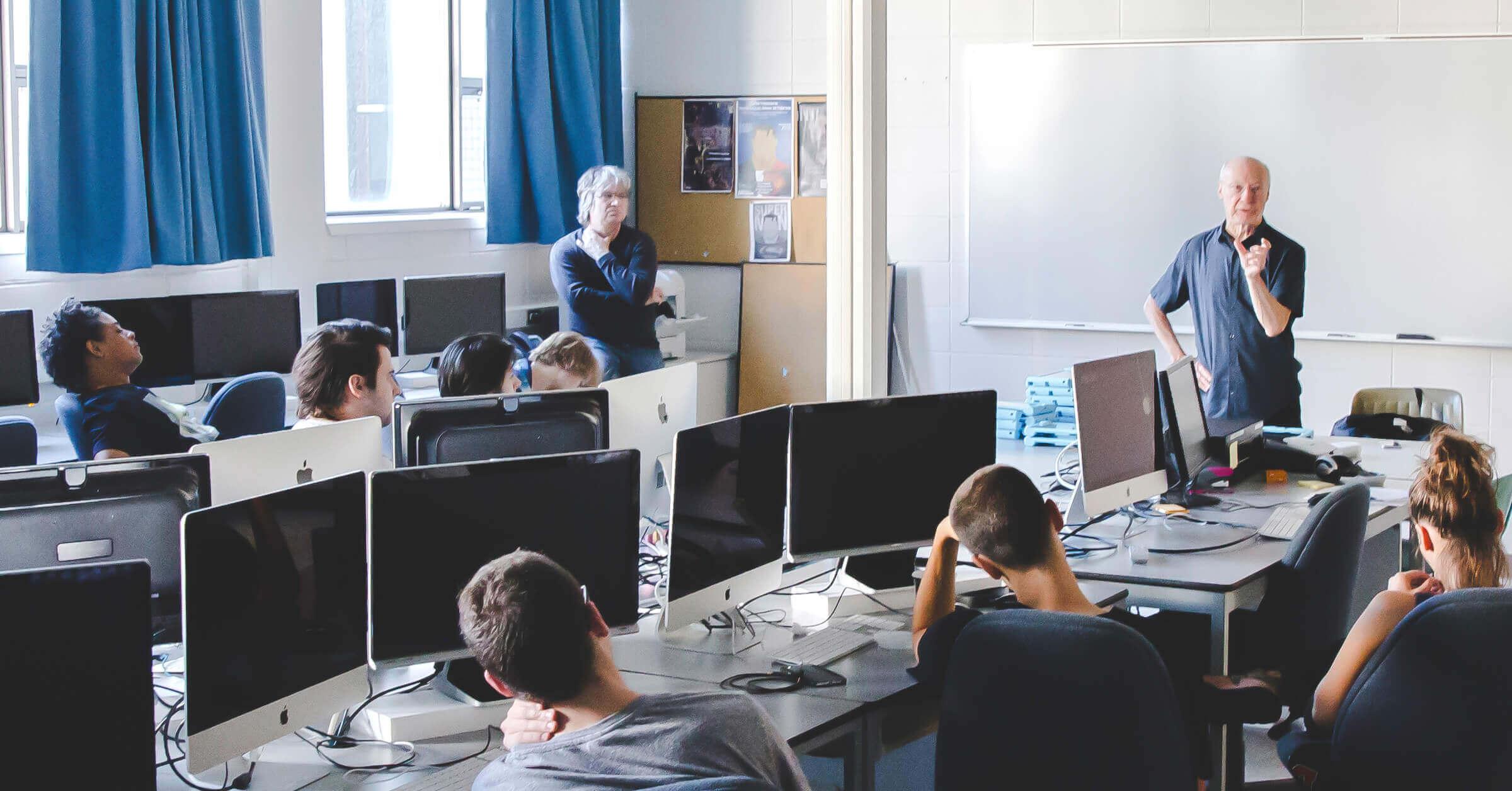 PHOS 2018 – Le programme Techniques d'intégration multimédia a accueilli le compositeur et concepteur sonore Yves Daoust