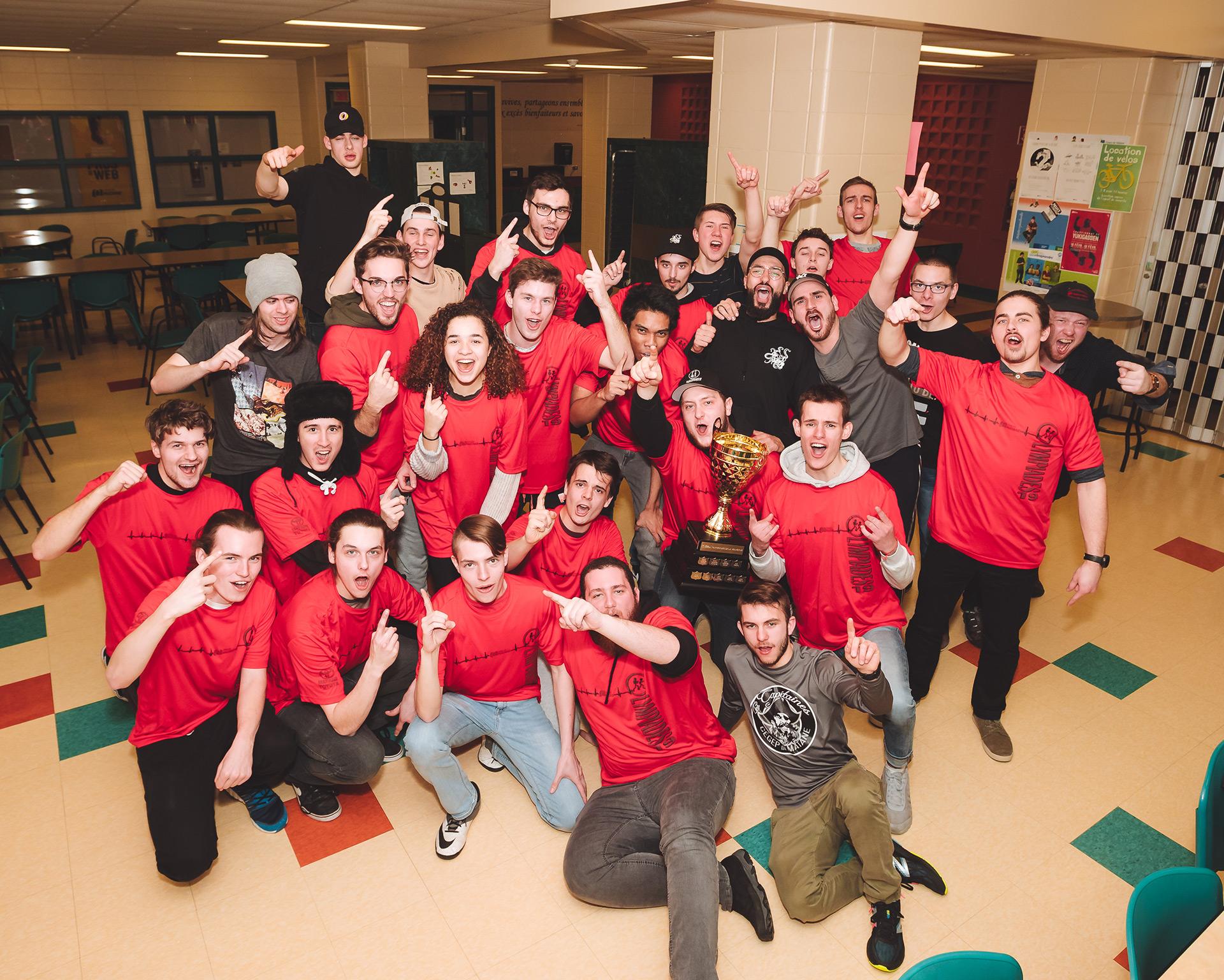 L'équipe du programme Technologie de l'électronique industrielle grande gagnante des 20e Olympiades de la vie active