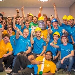 L'équipe du programme Technologie de l'électronique industrielle remporte l'édition 2015 des Olympiades de la vie active du Cégep de Matane<br />Source : Arthur Bresset