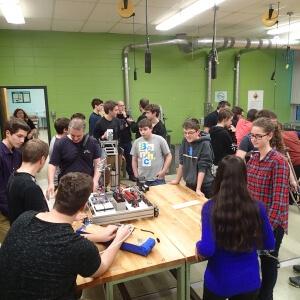 Une équipe toute matanaise participe à l'édition 2016 de la Compétition de robotique FIRST. Piero Barrette, étudiant en Électronique industrielle est le capitaine.<br />Crédit Photo: Piero Barrette
