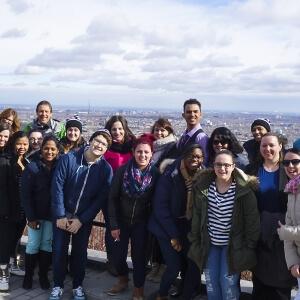 Les étudiants en Techniques de tourisme du Cégep de Matane sur le Mont-Royal en compagnie de leurs enseignants.<br />Source : Gina Bernier, enseignante