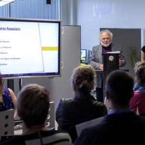 M. André Morin, préfet de la MRC de la Matanie et maire de Grosses-Roches lors de la conférence de presse pour souligner le lancement de l'incubateur d'entreprise L'ALT Numérique.<br />Crédit Photo: Alice Boutten (Bombes créatives)