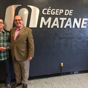 M. Sébastien Leblanc, enseignant en animation 3D et synthèse d'images et M. Oswaldo Massambani, directeur de INOVA Paula Souza de Sao Paulo.<br />Crédit Photo: Service des communications
