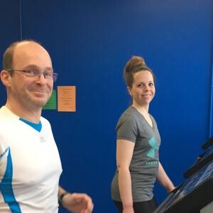 Monsieur Emmanuel Deyrieux et madame Julie Fortin, participants au défi 24h au profit de la Société canadienne du cancer.<br />