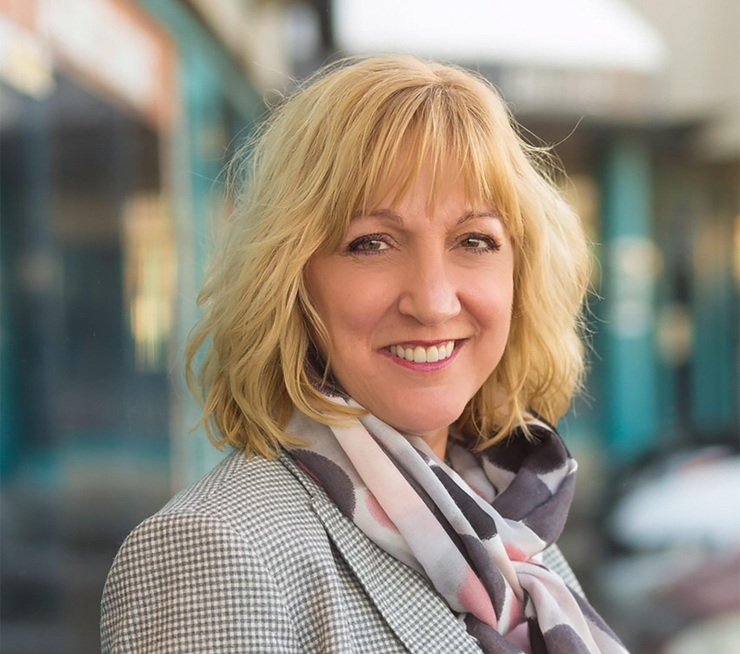 Jacinthe Savard, enseignante en Soins infirmiers au Cégep de Matane, a remporté l'un des dix Prix Profession Santé lors de l'édition 2018 de ces prix remis par le Groupe Santé d'EnsembleIQ.