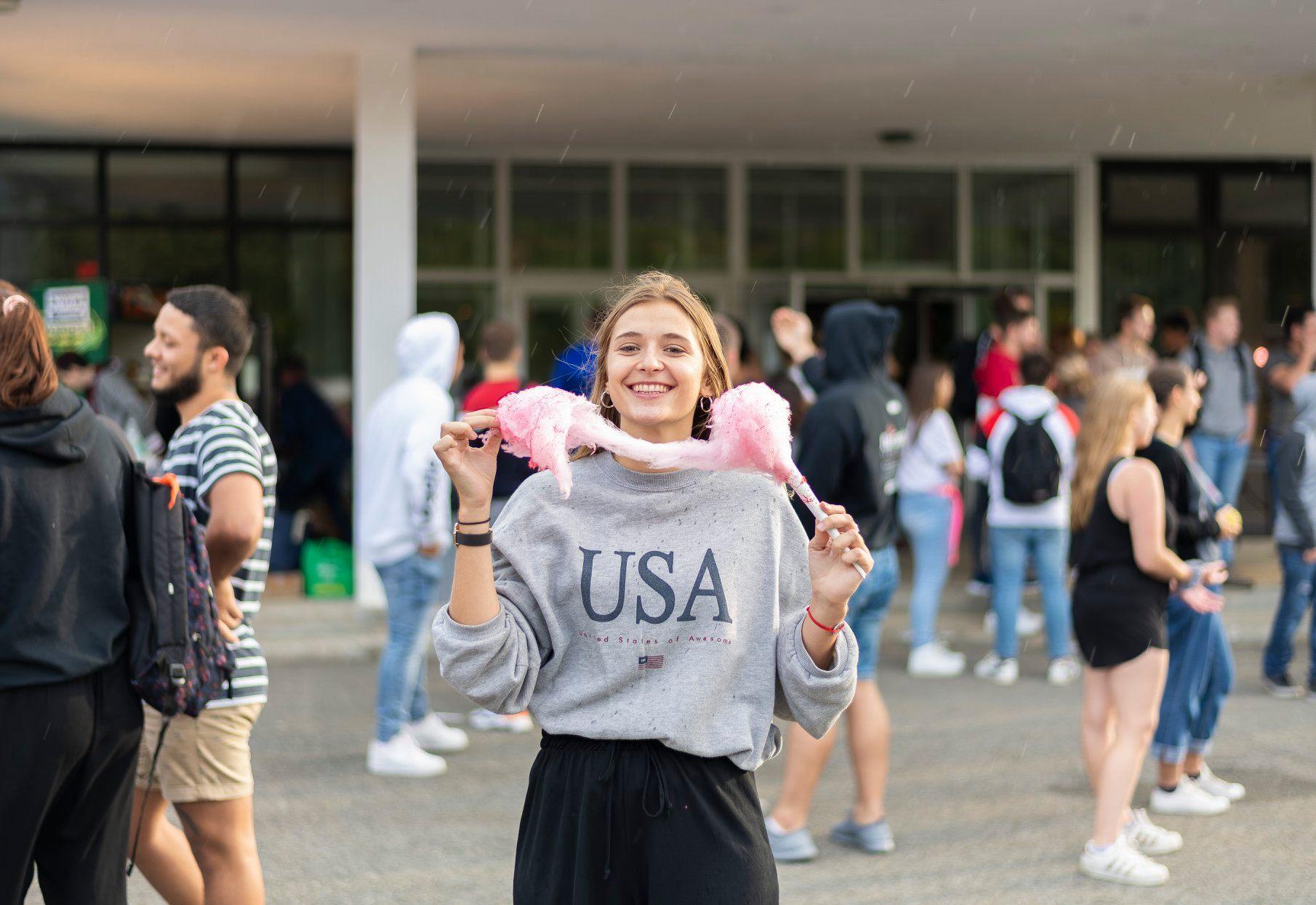 Photo d'une étudiante lors de l'accueil