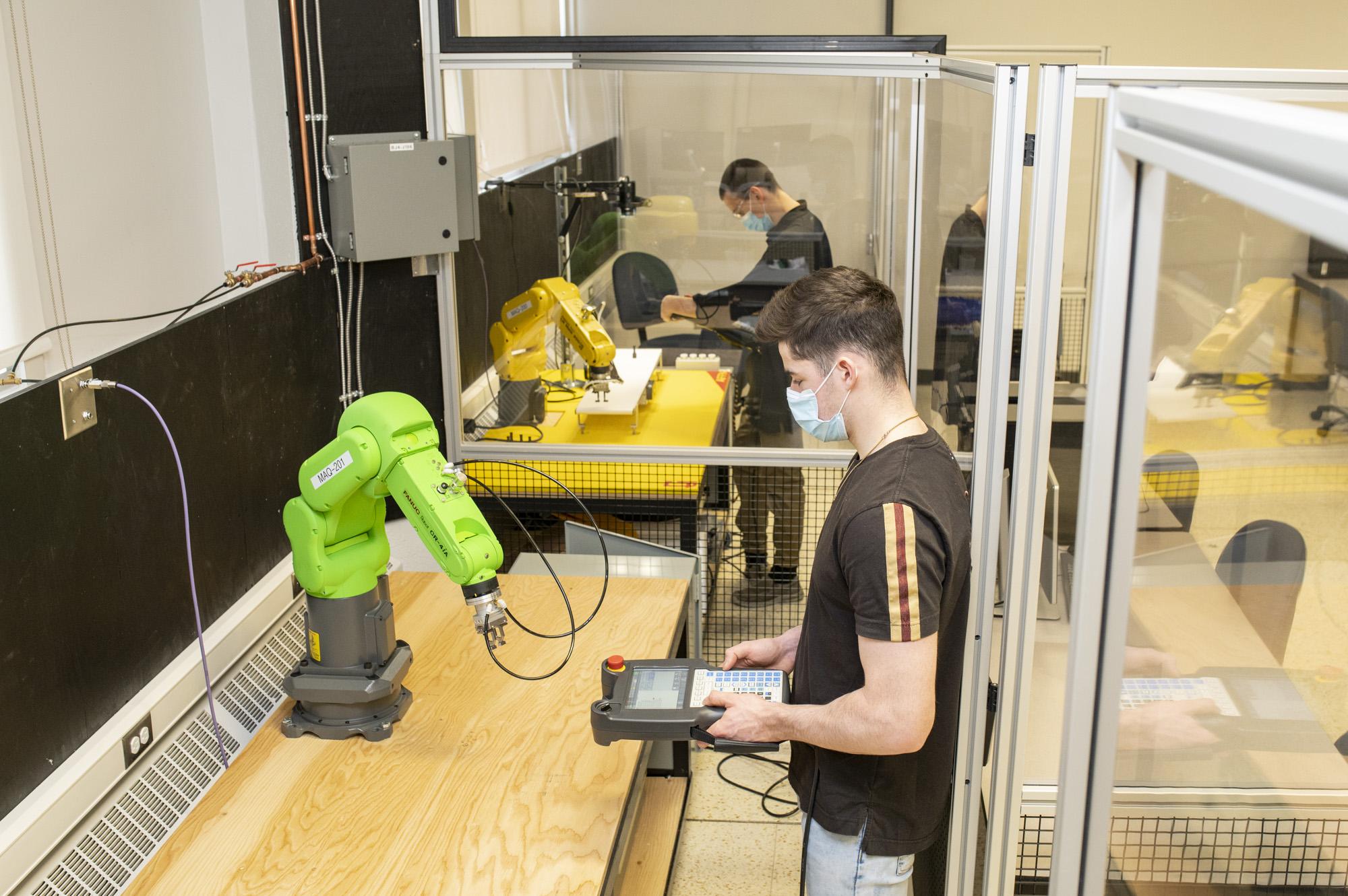 Un laboratoire de robotique flambant neuf au Cégep de Matane